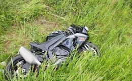 Pkw bremste zu spät: Unfall mit schwer verletztem Kradfahrer