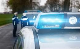 Fäkalienfahrzeug umgekippt: zwei Insassen schwer verletzt