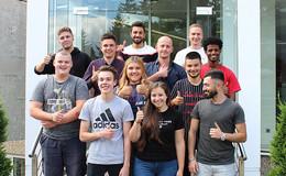 Herzlich Willkommen: Zwölf neue Azubis bei der STI Group