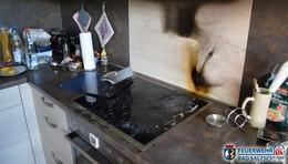Einsatz für die Feuerwehr: Stark verrauchte Wohnung nach Küchenbrand