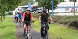Grüne testen Radwege  -wenig Vergnügen, eher eine Zumutung