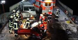 Pkw-Fahrerin in den Gegenverkehr geraten- Frontalzusammenstoß